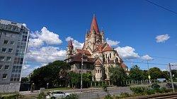 Trinitarierkirche zum Heiligen Franz von Assisi