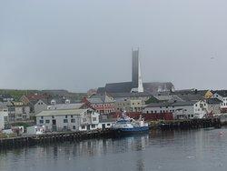 Vardø Kirche vom Schiff aus gesehen