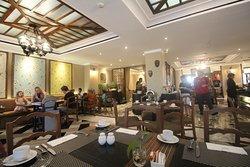 5-star Hotel with Strategic Location