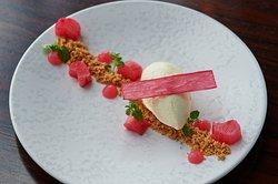 Rhubarb cheescake