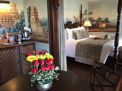 The Lord Byron Suite