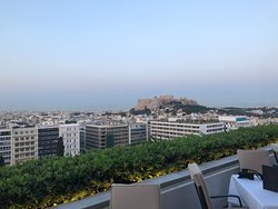 Rooftop dining (stunning view of the Acropolis)