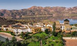 B Bou Hotel Viñuela & Spa
