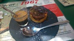 La tartelette pomme-figue avec son café