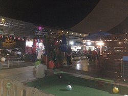 Pacific-Food Truck Park & Golf