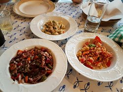 Dear tourist, read carefully, it's going to be the best dinner in greece