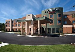 Courtyard Johnson City
