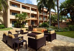 Courtyard by Marriott West Palm Beach
