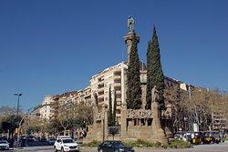 Monumento a Mosen Jacint Verdaguer