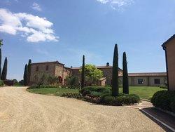 Tenuta Santavenere - Casa Vinicola Triacca
