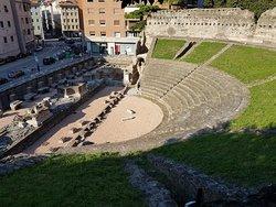トリエステ ローマ劇場