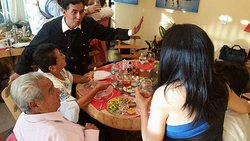 La mejor atención a cada uno de nuestros clientes en El Pescador Restaurante.