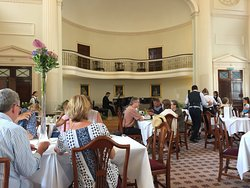 Main dining area with live musicians