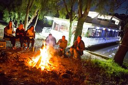 There's nothing quite like a campfire on the banks of the River Murray