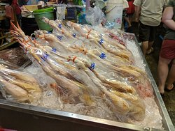 Mae Hia Fresh Market