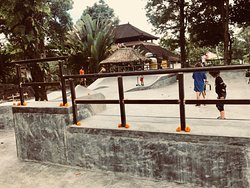 Blue Bear Bali Skateboarding School