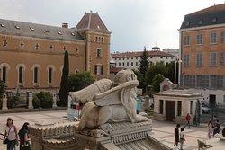 tour a Lione