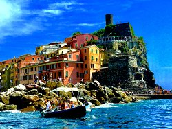 Enjoy Cinqueterre Boat Tours