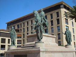 Monument Napoleon et ses quatre freres