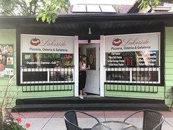 Lakeside Pizzaria & Gelateria