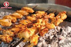 Hafta sonuna hafif bir lezzet ile girmek isteyenler için kemiksiz #TavukŞiş #ZekiUstaKebap'ta