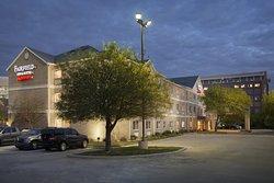 達拉斯普萊諾費爾菲爾德套房飯店