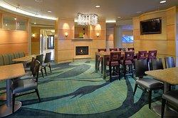 特雷霍特 SpringHill Suites 酒店