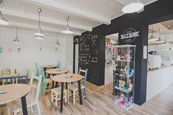 Manooka Café