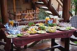 Домашняя кухня, мангал-меню, напитки собственного приготовления