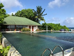Just Wow - Excellent Resort with superb Housereef