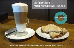 Nuestro inolvidable Café con Leche junto a un panini jamón queso.Otro imperdible de Café con Lec