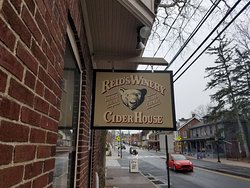 Reid's Orchard & Winery Tasting Room and Cider House