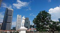 Statue of Raffles