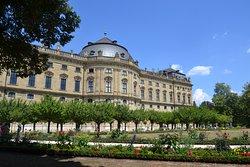 Giardino e palazzo