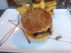 "Le fameux ""Cheeseburger"""