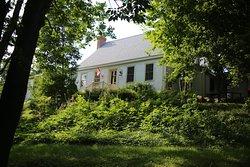 Olde Lantern Inn and Vineyard