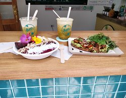 Lulada cocktails , Acai bowl and avocado toast= happiness