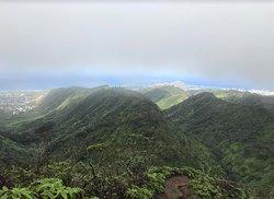 Wiliwilinui Hiking Trail