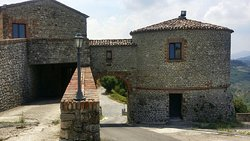 Castello Due Torri Di Scorticata