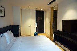一般房間 ,窗對門口的照片