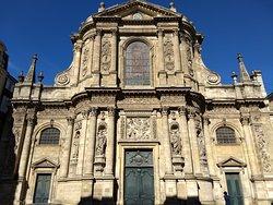 Notre Dame Church (Eglise Notre Dame la Grande)
