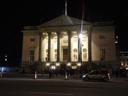 Très bonne maison d'opéra