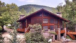 Cedar Crest Lodge & Cabin