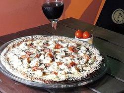 Pizza Tropical Gourmet Delicioso camarão com alcaparras hummm