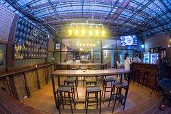 Didines Restaurant & Pub