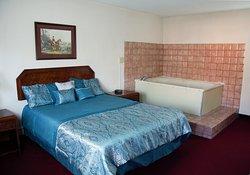 Red Fox Renaissance Inn- Waverly