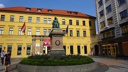 Pomník Josefa Jungmanna