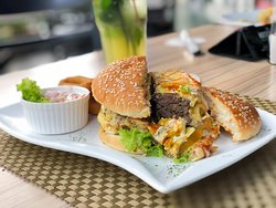 Grande Beef Burger