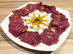 Sautéed beef slices.