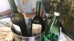 Cena meravigliosa con vino fantastico..da non perdere!